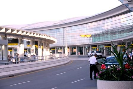 Airport Pick-Up and Drop-Off Van Rental San Diego